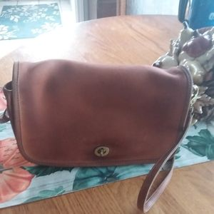 Vintage Coach Leather Crossbody Style 0738